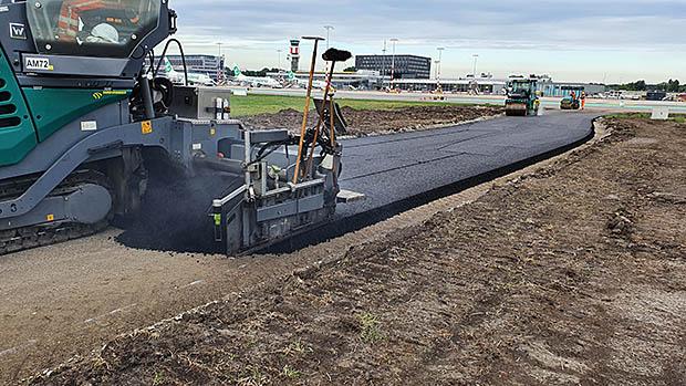asfalt weg aanleggen